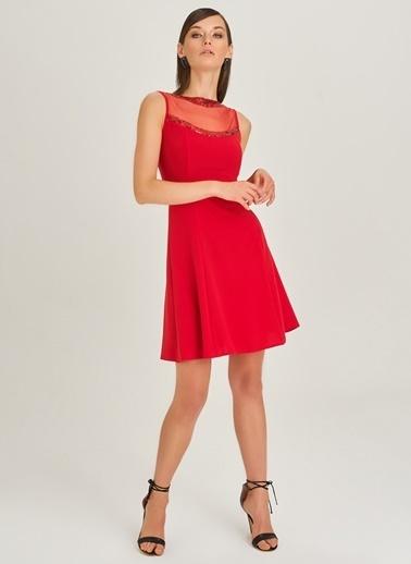 People By Fabrika Yakası Payet Detaylı Abiye Elbise Kırmızı